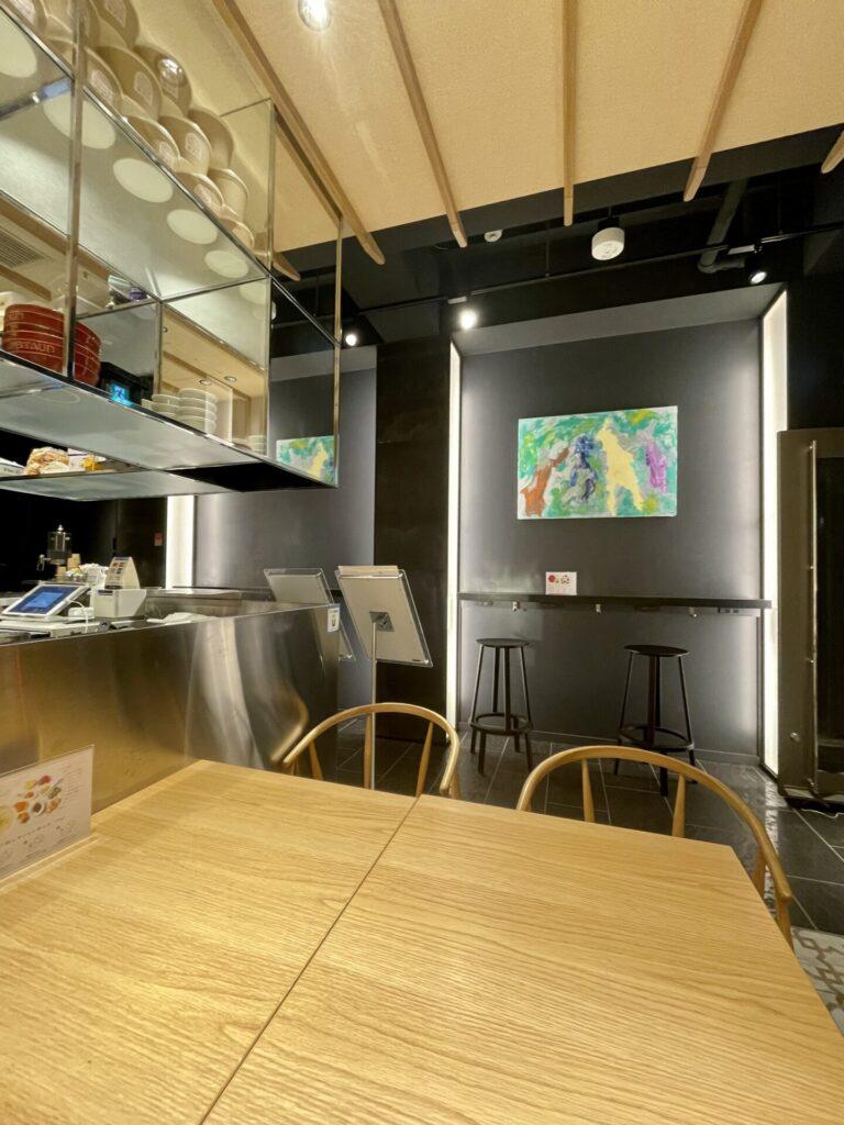 広尾カフェ TOKYO&リーシャン粥  店内