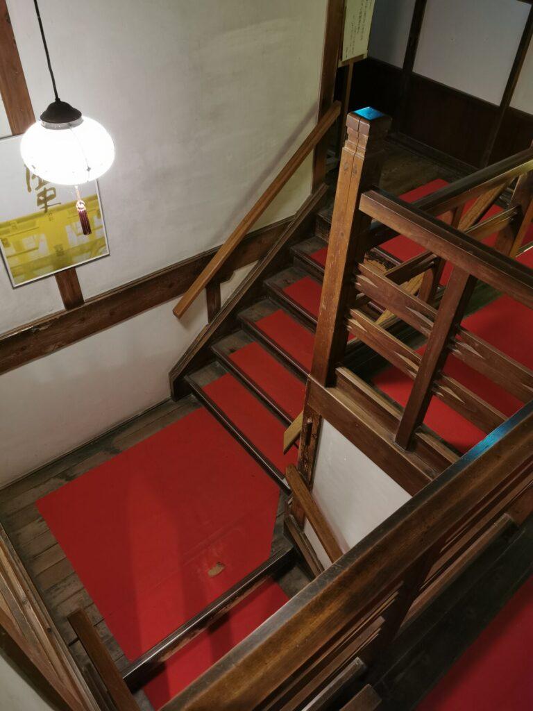 積善館内装 階段