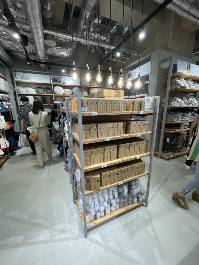 【購入レポ】ダイソー発の新ブランド「Standard Products by DAISO」に行ってきました♪電球
