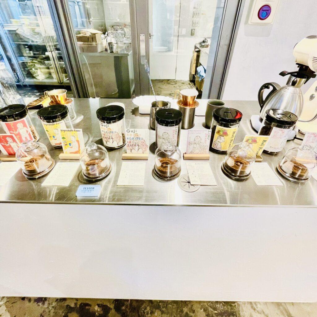 三軒茶屋で話題の新生カフェ「二足歩行 coffee roasters」