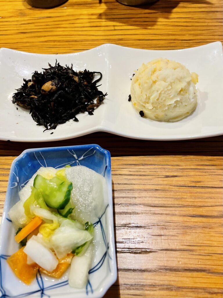 【広尾】割烹着のお母さんがつくる家庭料理「つばき食堂」